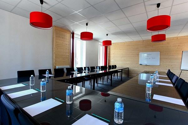Salle du haut pour réunions à Cognac