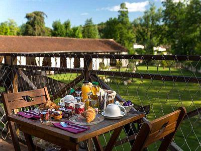 Petit déjeuner à l'hôtel Quai des Pontis à Cognac en Charente